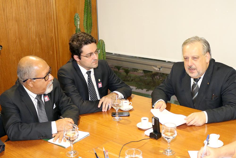 Alex Canuto conversa com Ministro Ricardo Berzoini