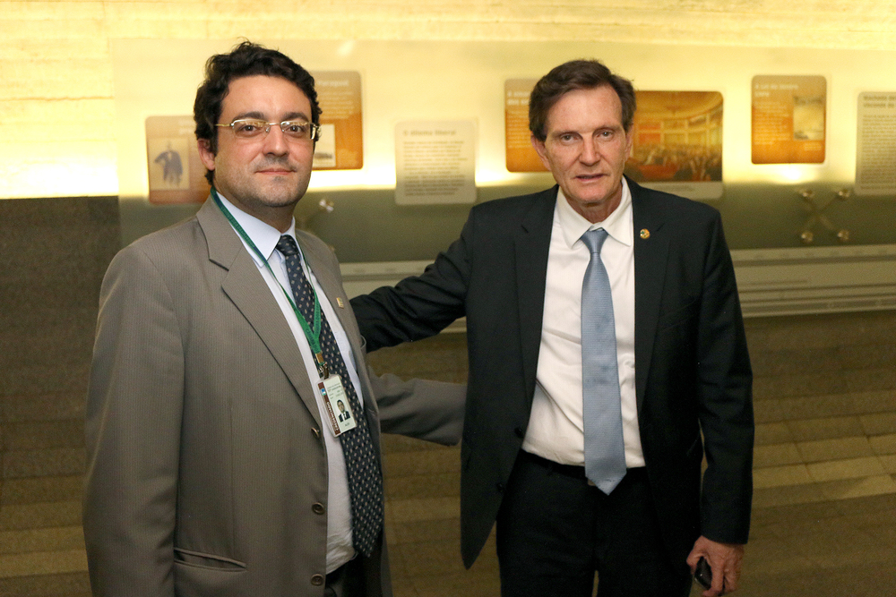 Presidente da ANESP, Alex Canuto, e Senador Marcelo Crivella.