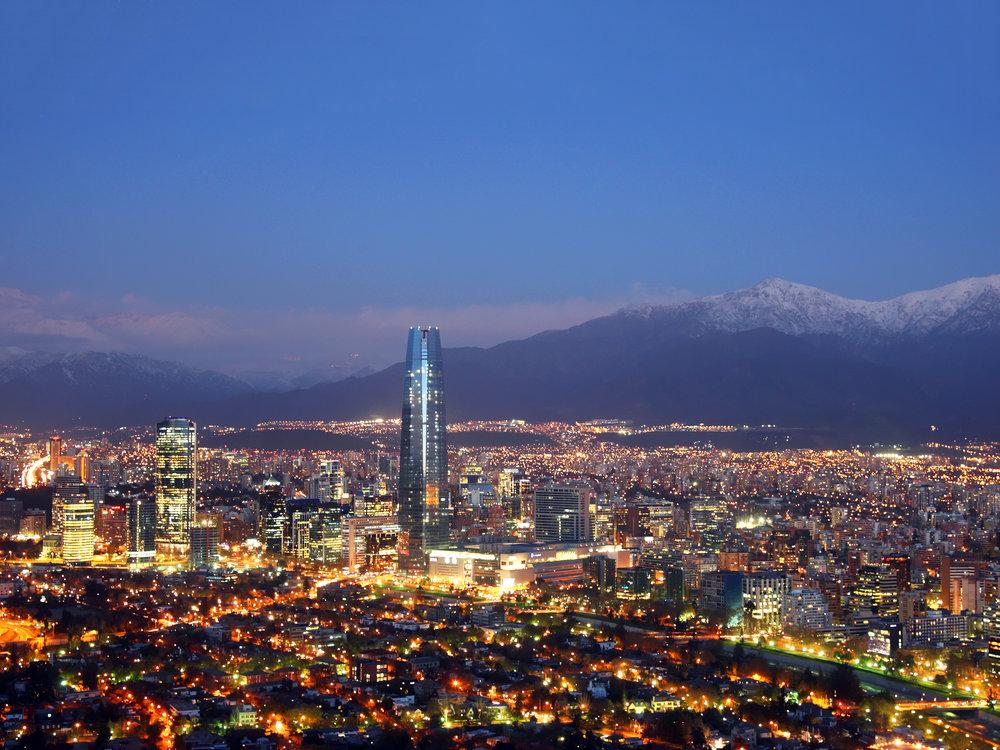 Santiago noturna. Foto: Chile