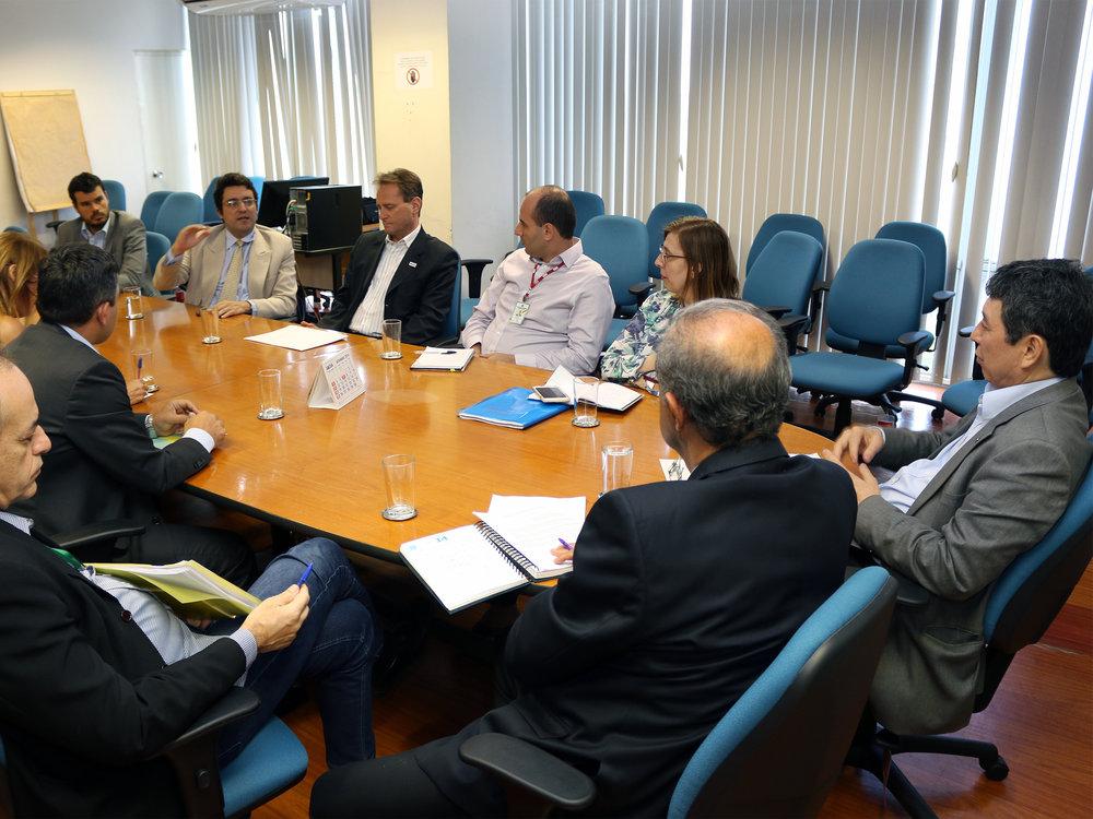 O Presidente da ANESP, Alex Canuto, em diálogo com o Secretário Augusto Chiba. Foto: Filipe Calmon / ANESP