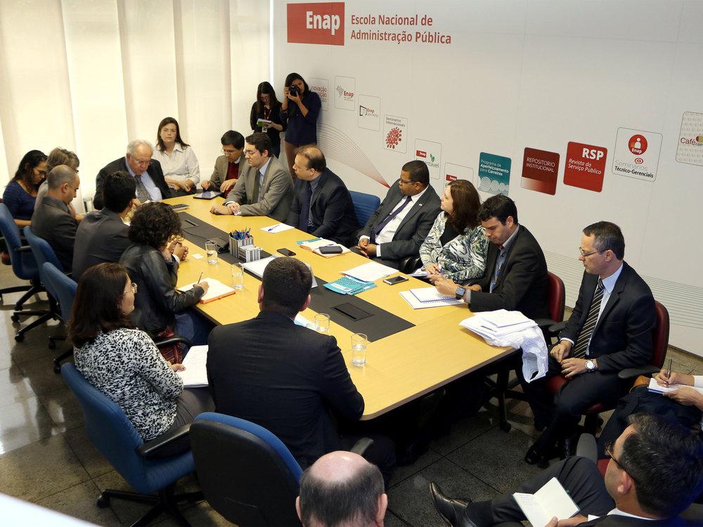 Encontro reuniu representantes de 7 entidades com o Presidente da Enap, Francisco Gaetani. Foto: Filipe Calmon / ANESP