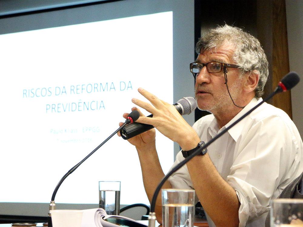 O EPPGG Paulo Kliass falou sobre Riscos da Reforma da Previdência.