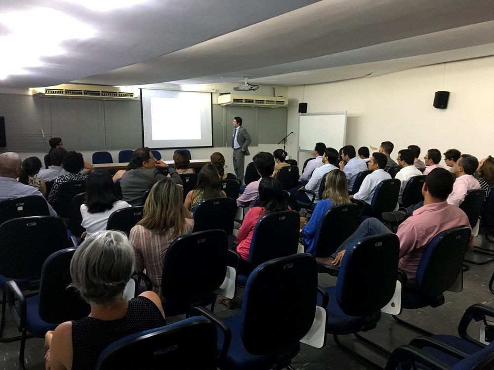 Presidente da ANESP, Alex Canuto, palestra para servidores em Pernambuco. Foto: AGpog