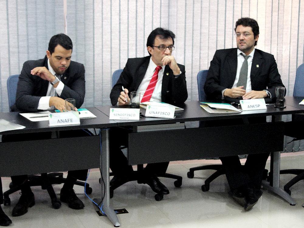 Presidente da ANESP, Alex Canuto, durante encontro.