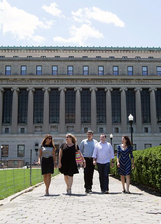 De preto, a EPPGG Aline Mac Cord, com outros quatro colegas brasileiros em curso na universidade norte-americana. Foto: Columbia