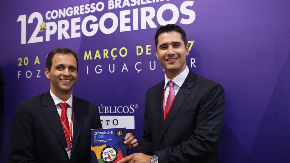 Cristiano Heckert e Antonio Netto, durante lançamento da versão digital do livro. Foto: Arquivo pessoal