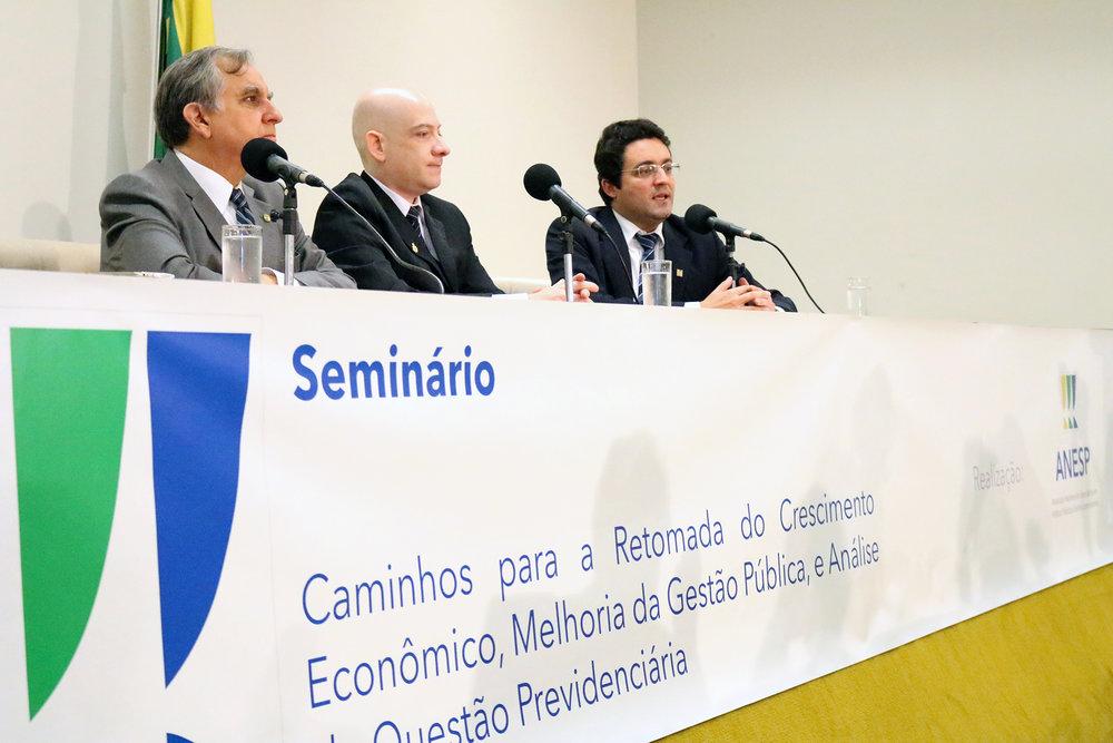 4Seminário Caminhos.jpg