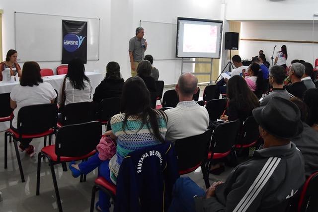 José Ivan durante palestra. Foto: ME