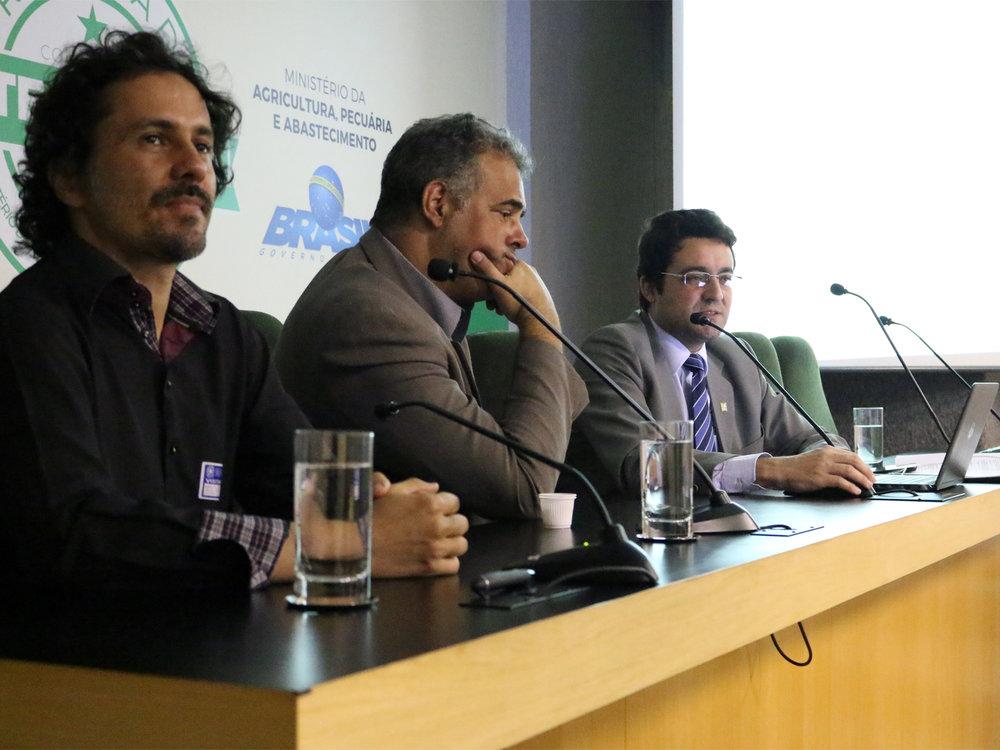 Os conselheiros Daniel Avelino e Agnaldo Pimenta e o Presidente da ANESP, Alex Canuto. Foto: Filipe Calmon / ANESP