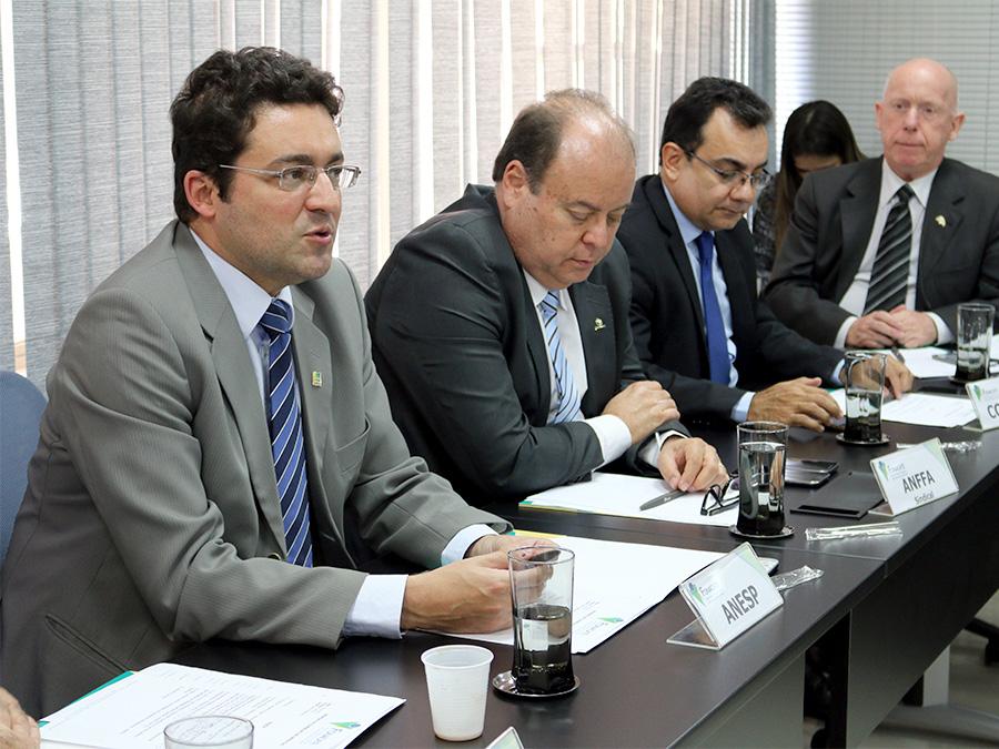 Presidente da ANESP, Alex Canuto, durante avaliação de conjuntura. Foto: Filipe Calmon / ANESP