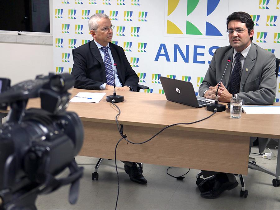 EPPGG Rubens Oliveira e EPPGG Alex Canuto, Presidente da ANESP. Foto: Filipe Calmon / ANESP