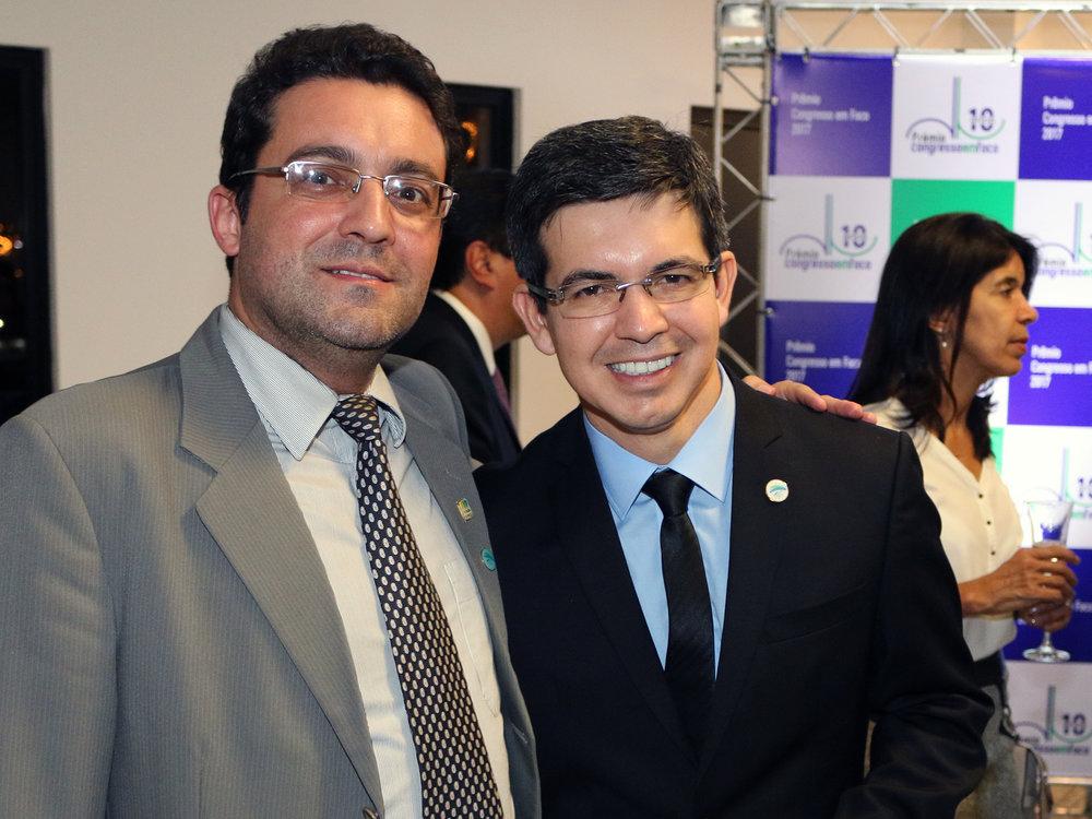 Presidente Alex Canuto ao lado do Senador Randolfe Rodrigues