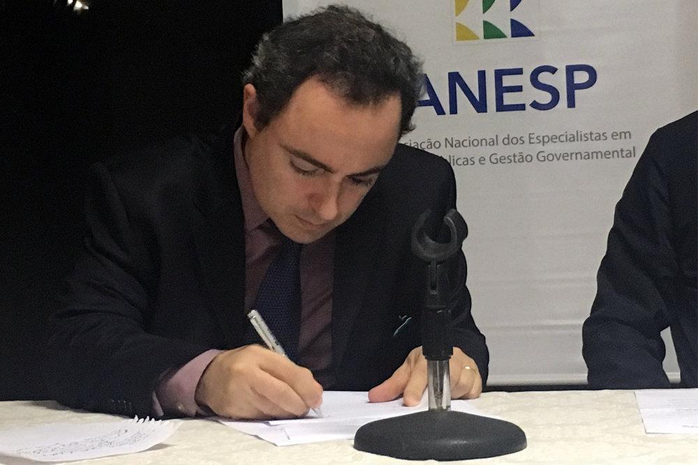 Gabriel Dizner toma posse como Vice-Presidente de Comunicação
