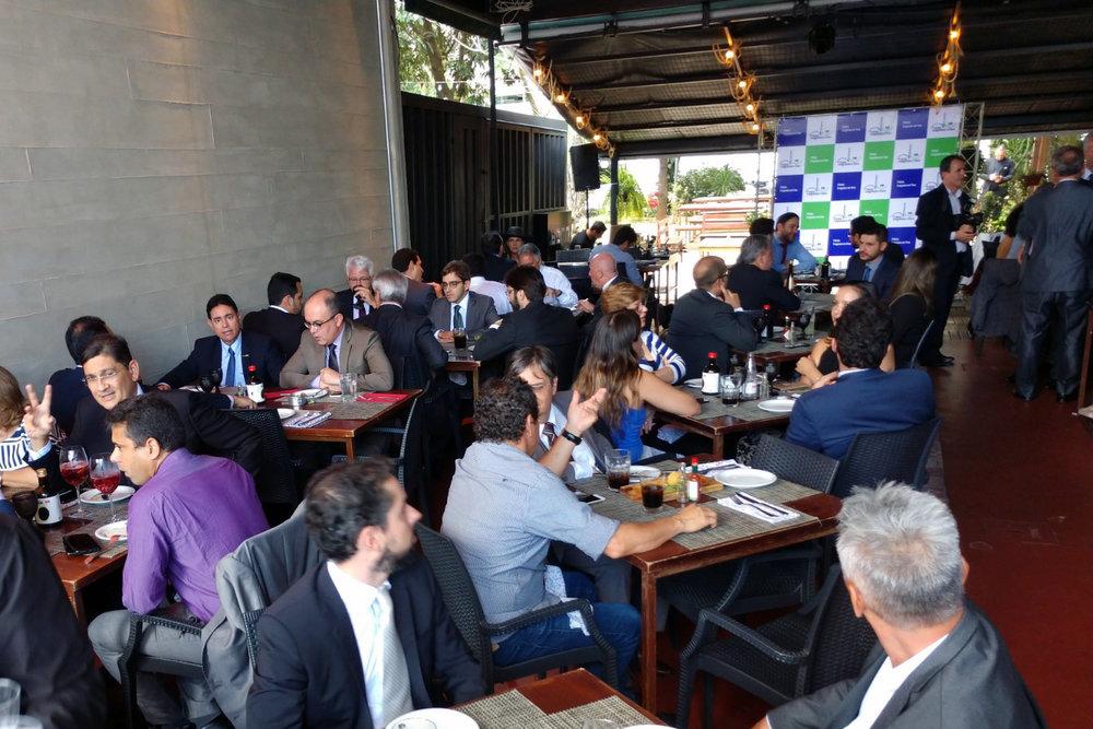 alex congresso em foco almoço2.jpg
