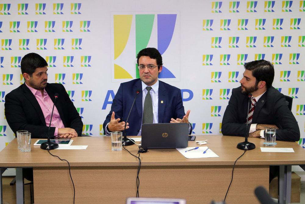 TV ANESP - Marcelo Nunes, Alex Canuto e Roberto Taufick.jpg