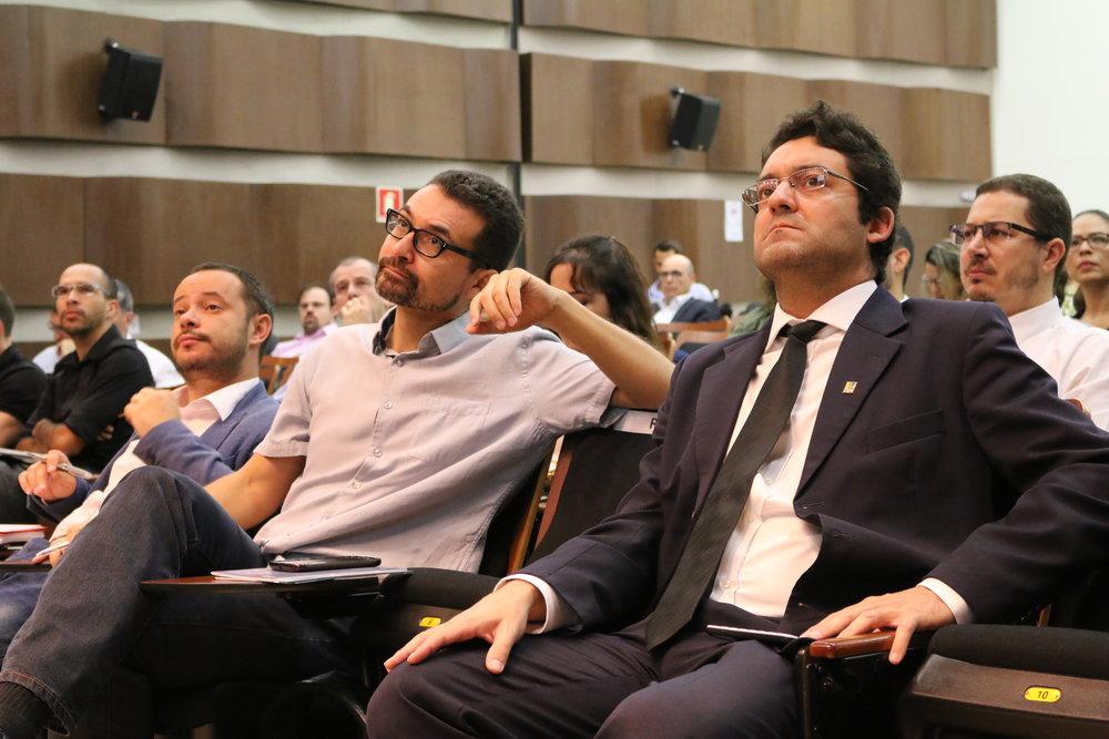 Presidente da Assecor, Leandro Couto; Roberto Gonzalez, representante da AFIPEA; e o Presidente da ANESP, Alex Canuto.