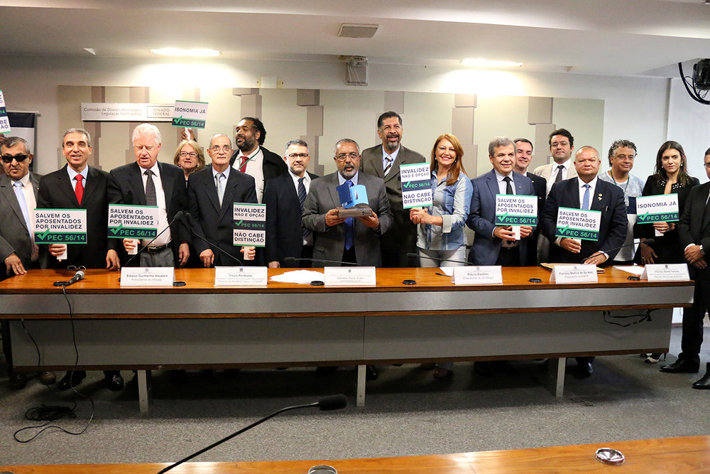 Senador Paulo Paim presidiu os trabalhos da CDH. Foto: Filipe Calmon / ANESP