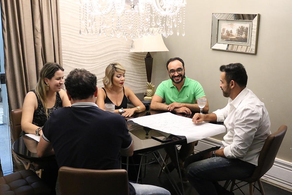 Diana Lima, Assistente Administrativa da ANESP, os Associados Aleksandra Santos e Jeovan Silva, Ricardo e Marcos Azevedo. Foto: Filipe Calmon / ANESP
