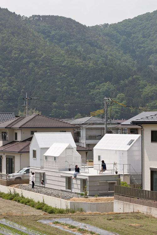 House in Yamasaki by Tato Architects.