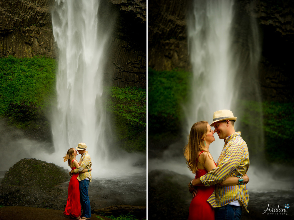 Waterfall_Engagement_Session017.jpg