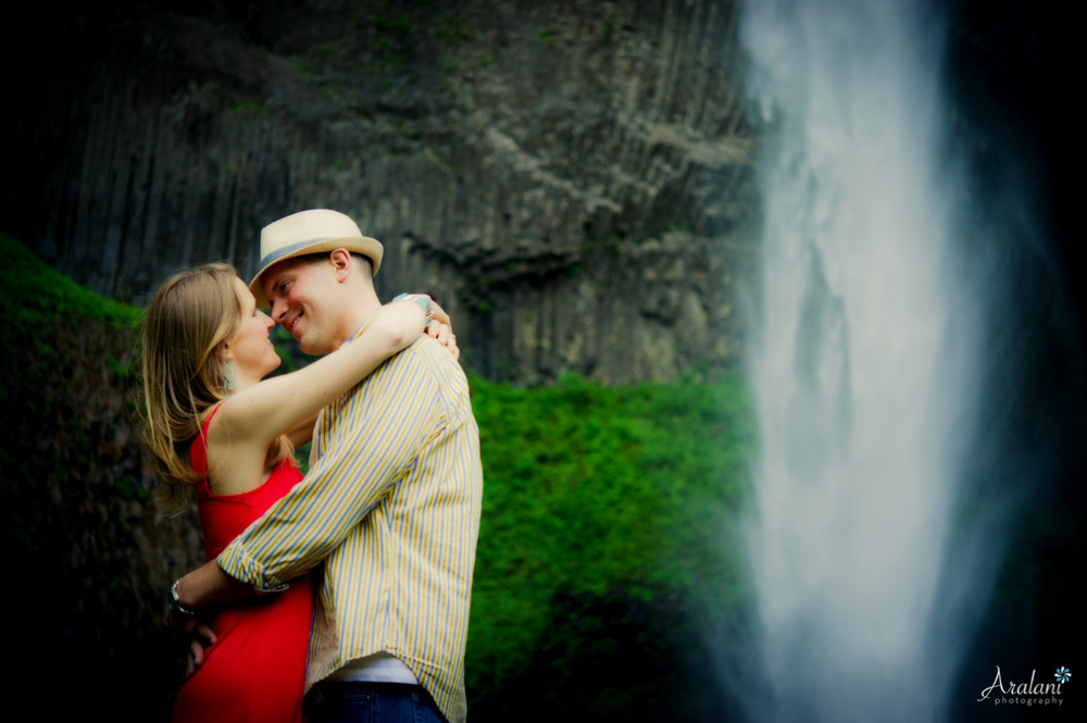 Waterfall_Engagement_Session019.jpg
