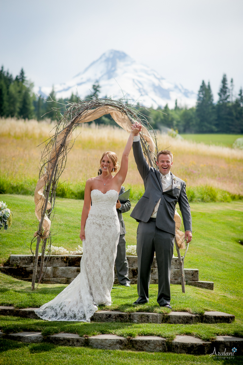 Mt_Hood_Bed_and_Breakfast_Wedding0013.jpg