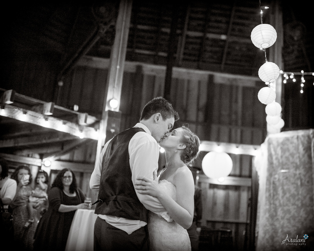 Cornelius_Pass_Roadhouse_Wedding0059.jpg