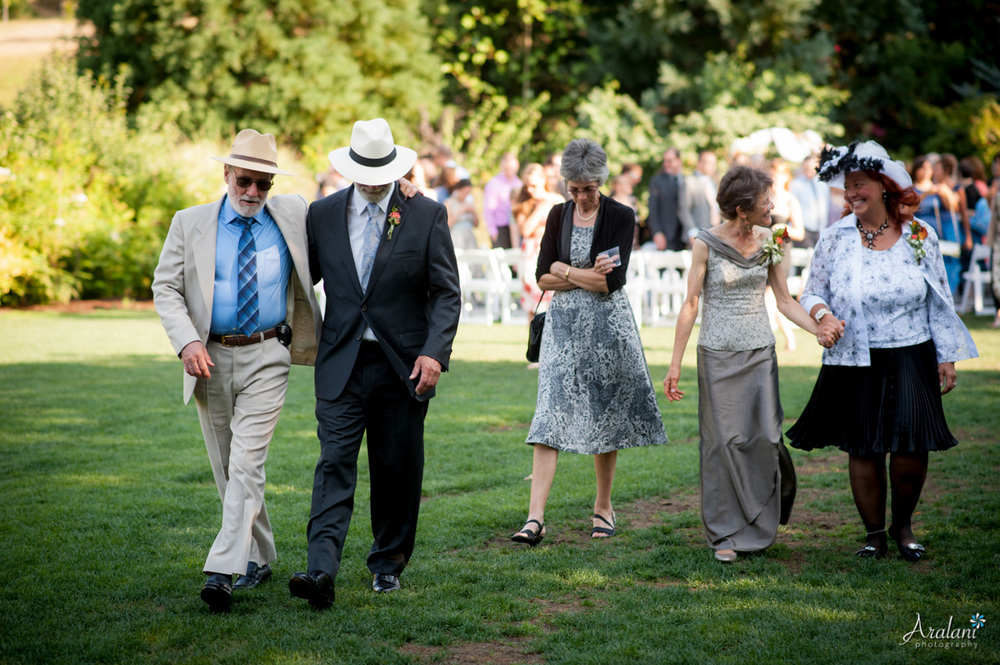 McMenamins_Edgefield_Wedding_SB0038.jpg