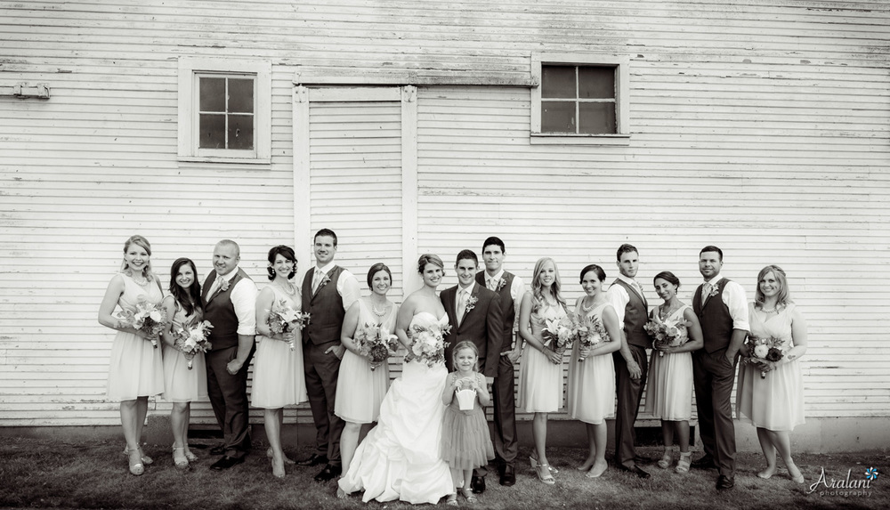 Langdon Farms Barn Wedding Party - Aralani Photography - Ara Roselani