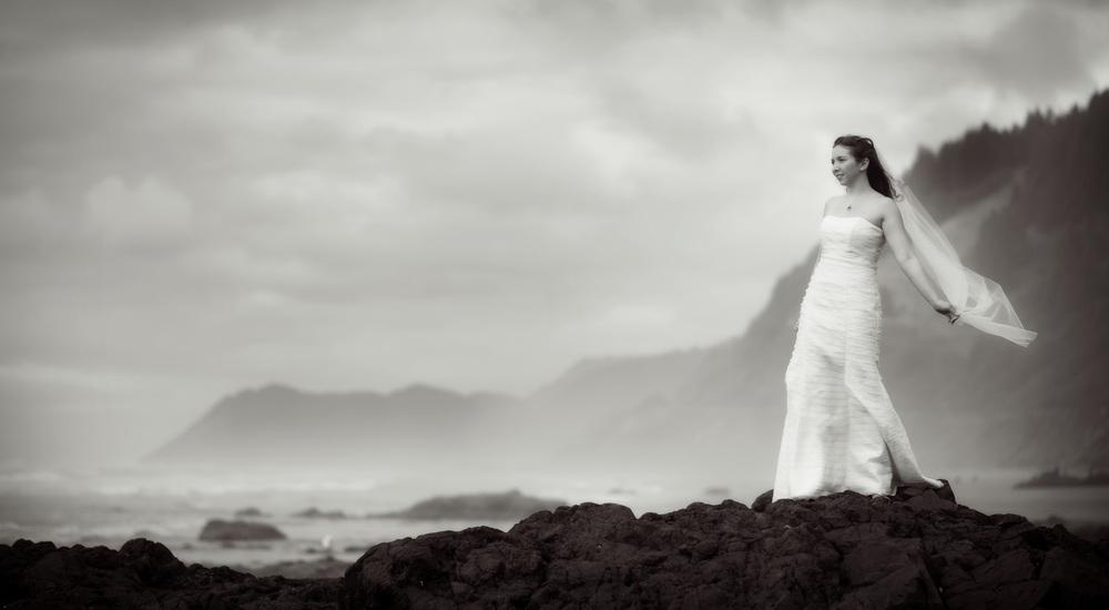 Cape_Perpetua_Bridal_Portraits002.jpg
