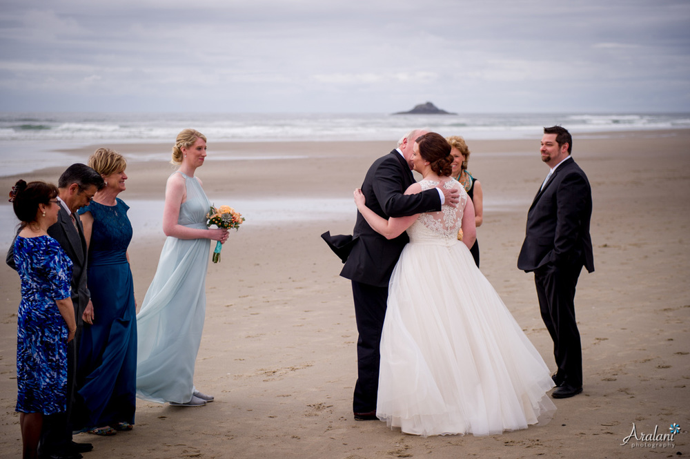Oregon_Coast_Elopement_0011.jpg
