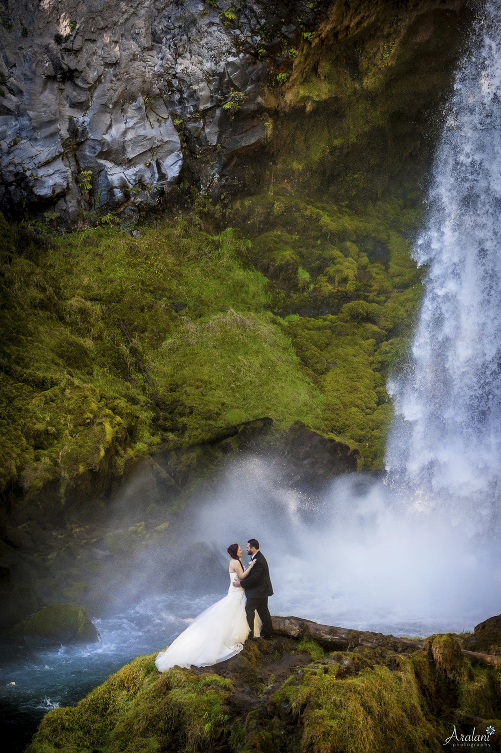 Waterfall Bride and Groom - Sahalie Falls Wedding