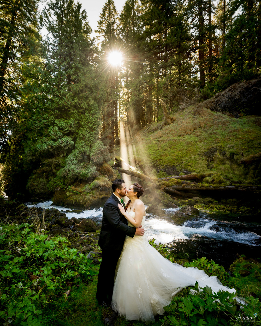 Sahalie_Falls_Waterfall_Wedding0012.jpg