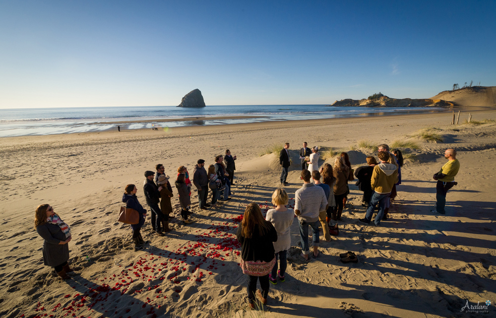 Cape_Kiwanda_Tiny_Wedding026.jpg
