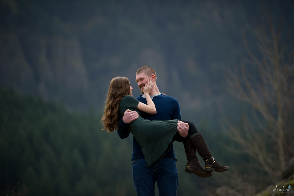 Columbia_River_Gorge_Engagement_Session007.jpg
