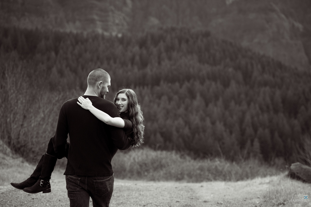 Columbia_River_Gorge_Engagement_Session008.jpg