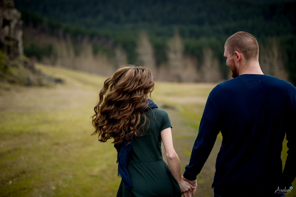 Columbia_River_Gorge_Engagement_Session016.jpg