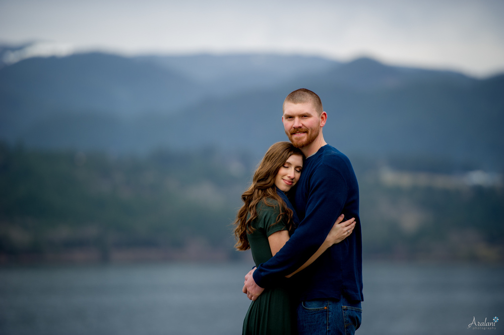 Columbia_River_Gorge_Engagement_Session020.jpg