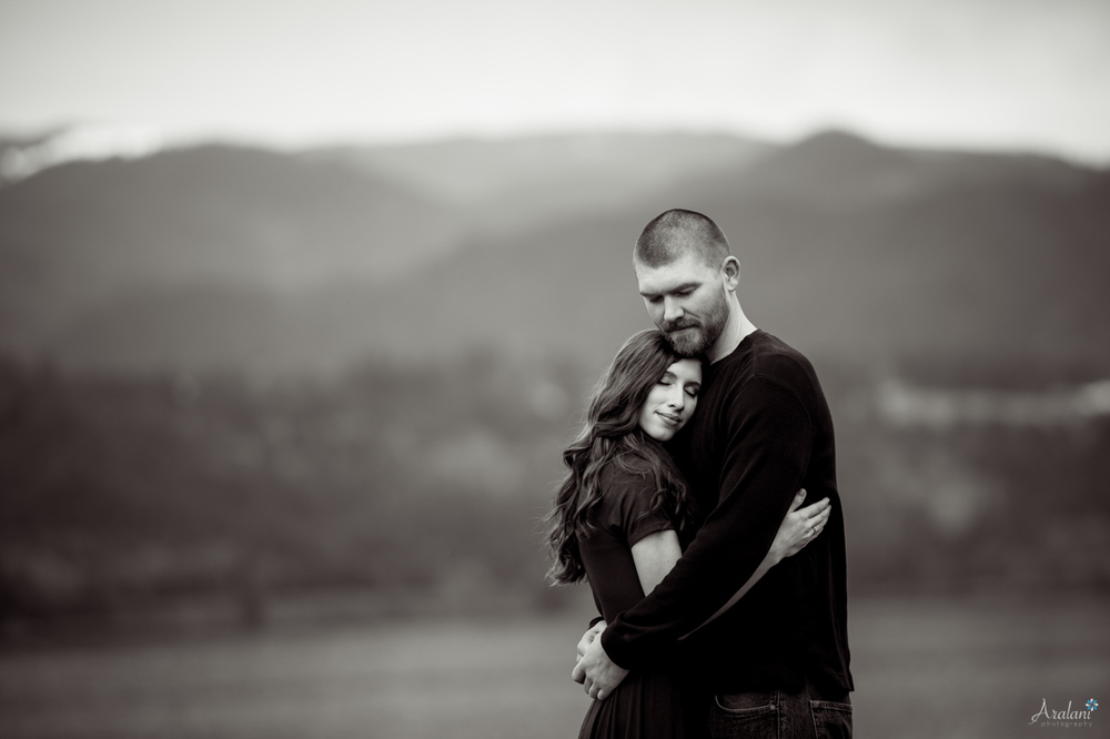 Columbia_River_Gorge_Engagement_Session021.jpg