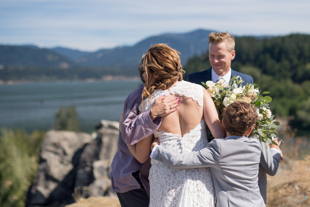 Columbia_River_Gorge_Elopement015.jpg