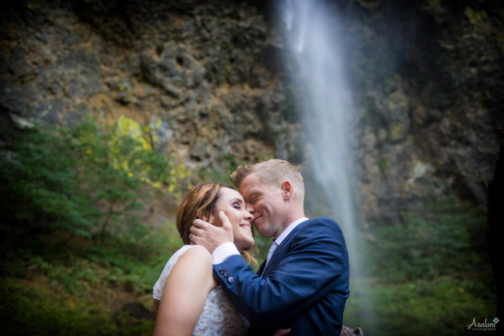 Columbia_River_Gorge_Elopement029.jpg