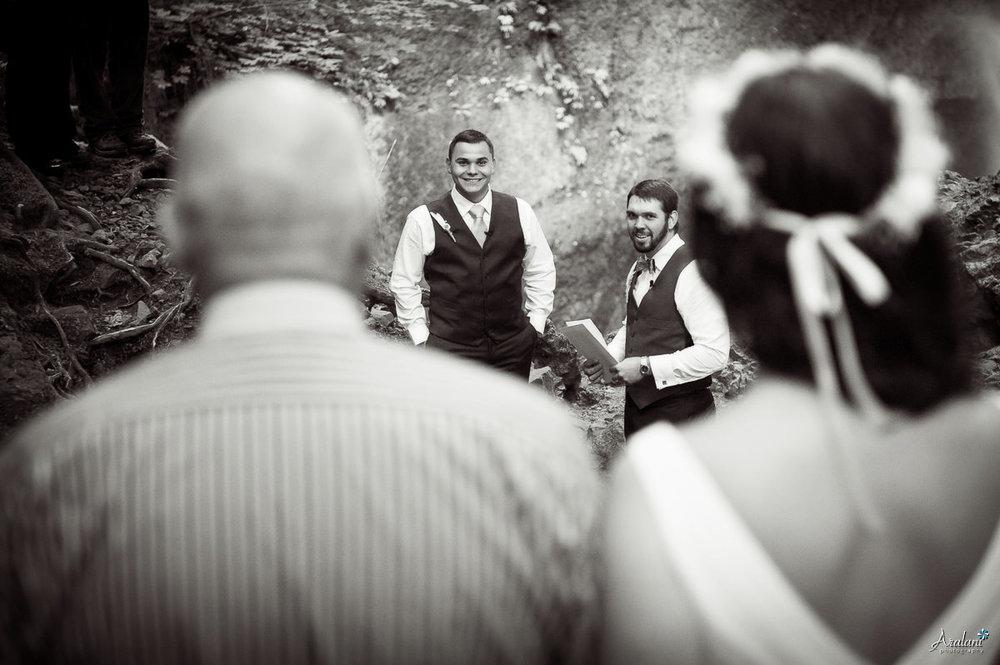 Wahclella_Falls_Wedding0010.jpg