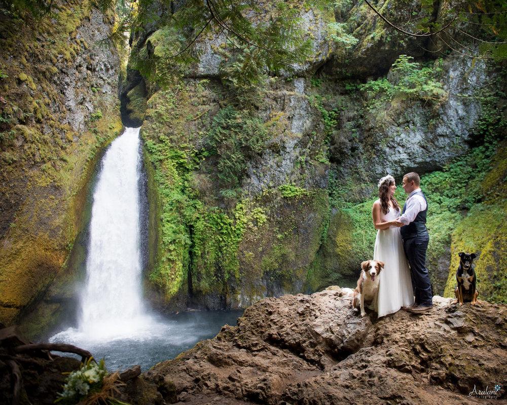 Wahclella_Falls_Wedding0016.jpg