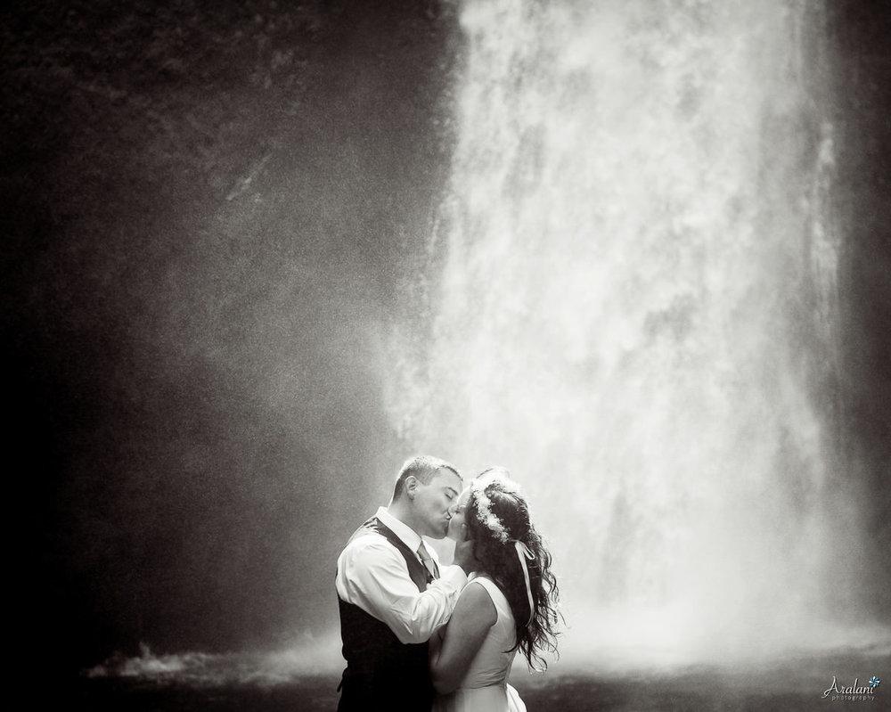 Wahclella_Falls_Wedding0020.jpg