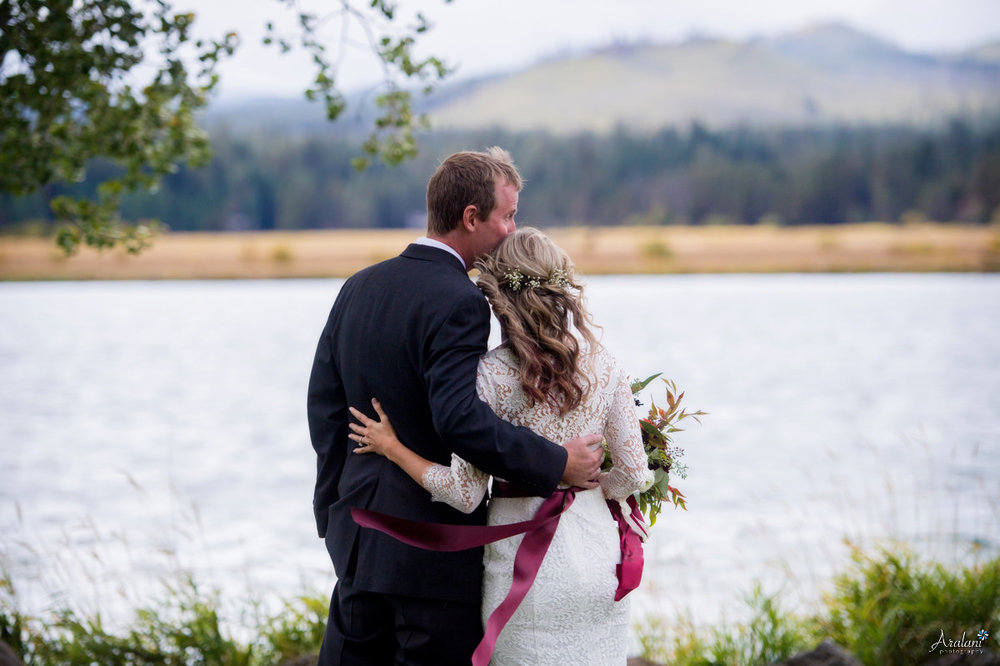 Black_Butte_Ranch_Autumn_Wedding_0006.jpg