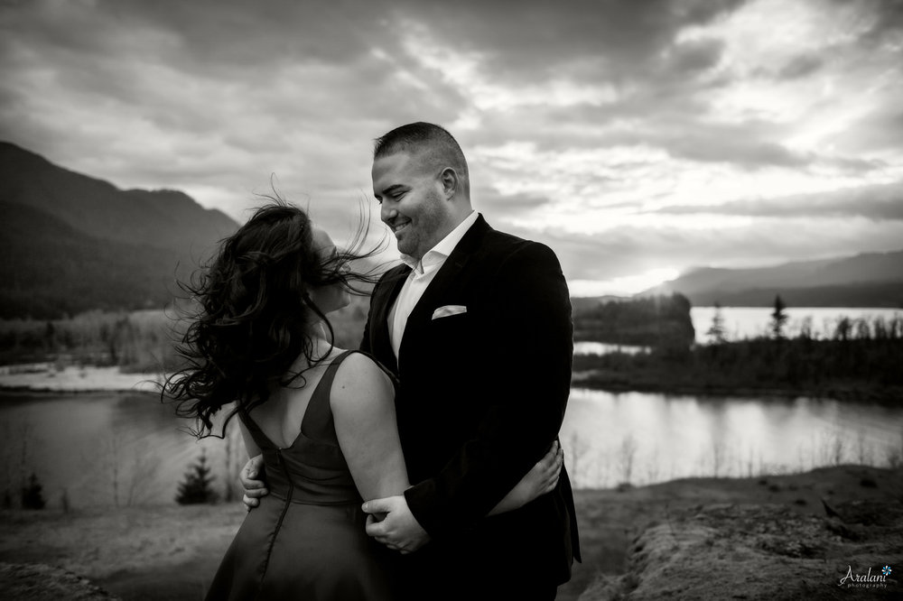 Columbia_River_Gorge_Sunset_Engagement0013.jpg