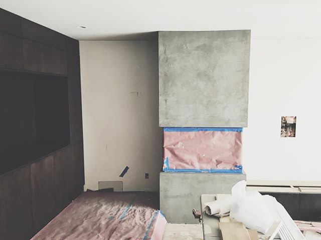 Plaster done at 3 sides open fireplace.  #bl20ftpocketdoorhouse  #modernhouse #vsco #customhome