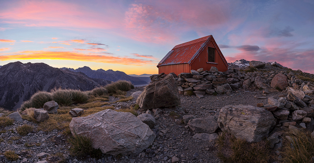 Hut Sunrise WEB V3.JPG