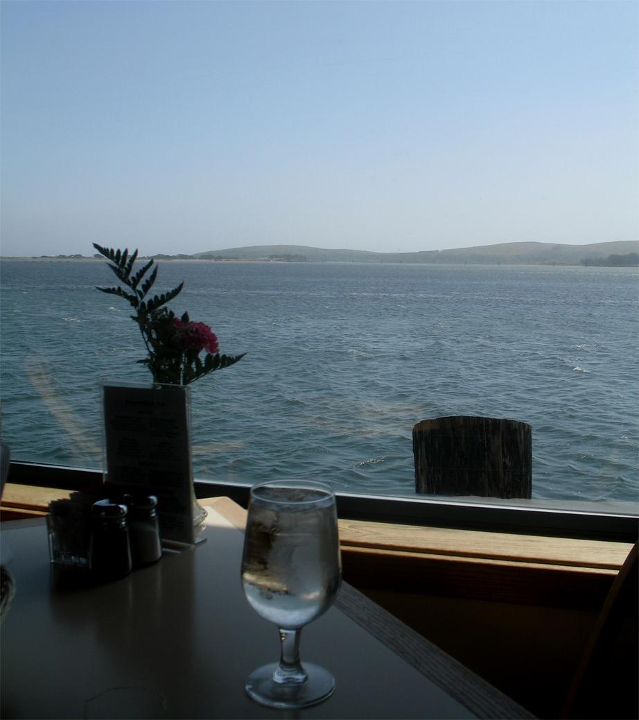 the tides wharf restaurant & bar