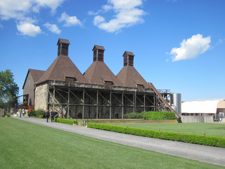 landmark vineyards at hop kiln estate